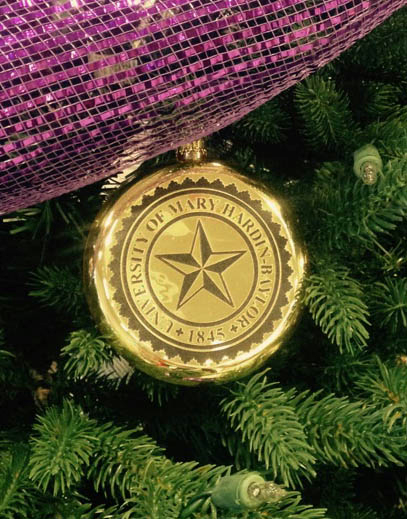 Gold Seal Ornament (SKU 1026624374)